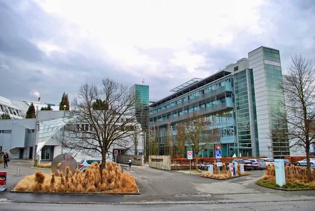 Doch auch die Hirslanden Klinik in Aarau will den Leistungsauftrag für Herzoperationen erhalten.