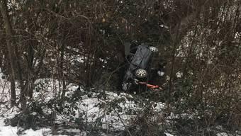 Unfall in Wegenstetten: Audi kommt von Strasse ab und überschlägt sich