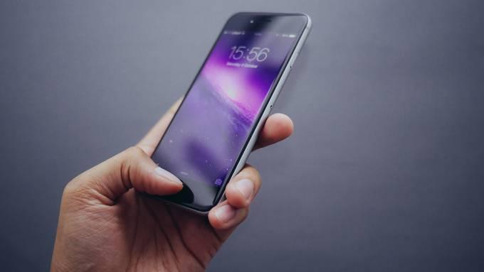 Sein Smartphone im Ausland kaufen - ist das eine schlaue Idee?