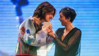 Pascale Bruderer hielt im KKL Luzern die Laudatio und übergab Sina den Swiss Music Award für ihr Lebenswerk.