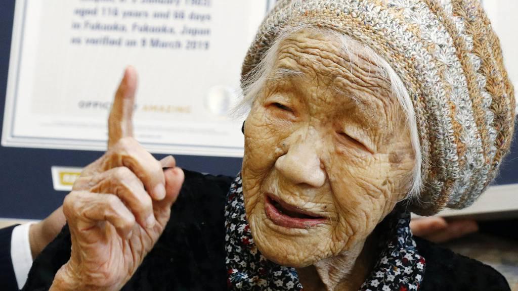 Älteste Frau der Welt feiert ihren Geburtstag