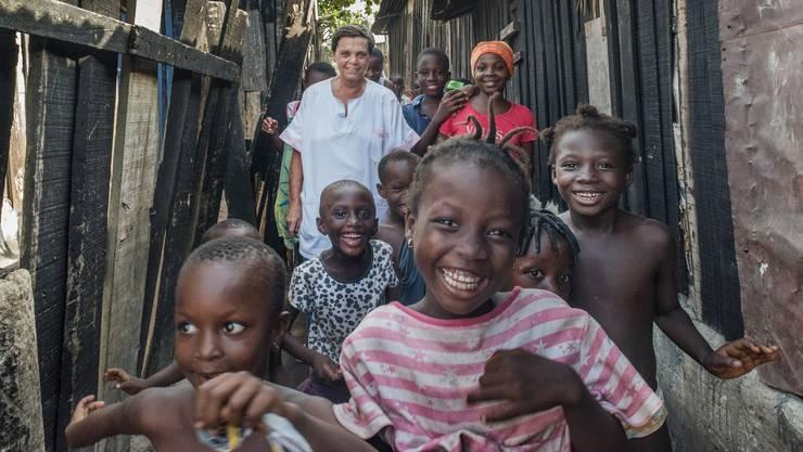 Die Zürcherin Lotti Latrous ist in Afrika tätig.