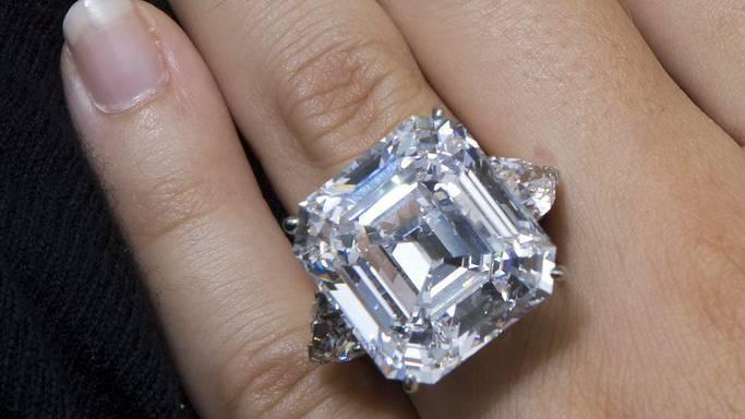 Der Diamantring hat einen Wert von 26'100 Franken. (Symbolbild)