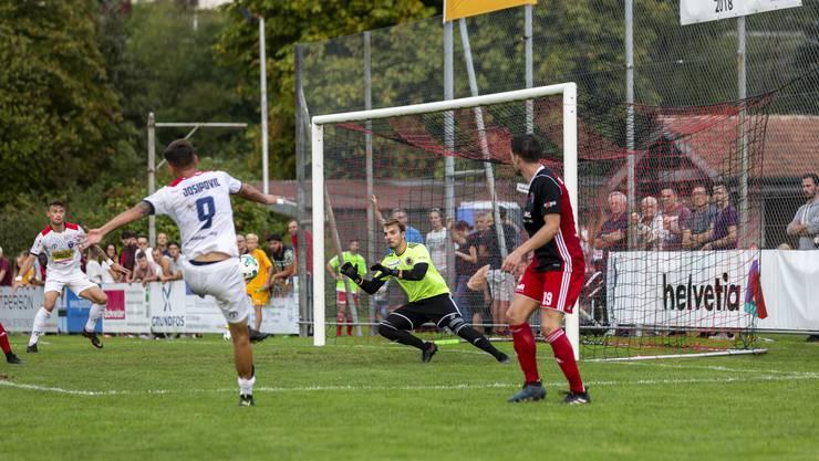 Während sich die kleinen Fussballvereine in der Schweiz gut überlegen müssen, ob sie die Cupspiele gegen höherklassige Vereine zu Hause austragen wollen, stellt sich in Deutschland diese Frage nicht.