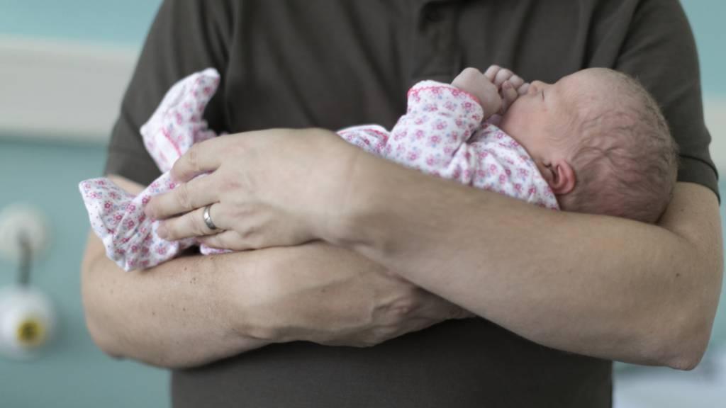 Initiative für vierwöchigen Vaterschaftsurlaub zurückgezogen