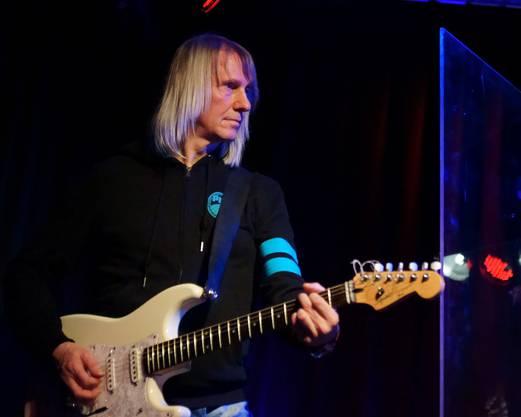 Gitarrist Andy Maurer in Aktion.