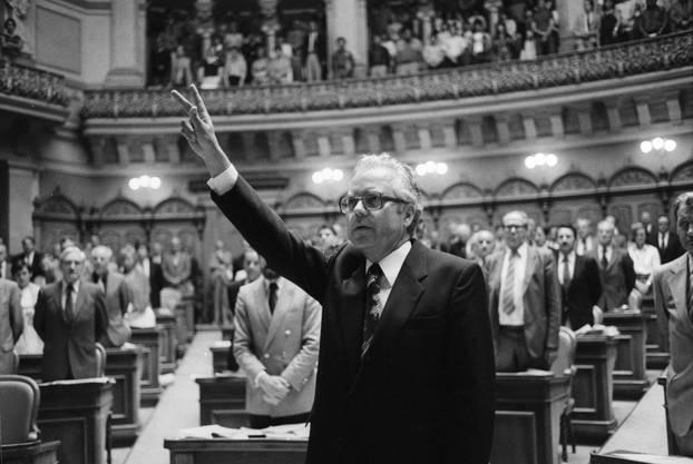 Buser war von 1981 bis 1991 Bundeskanzler und das erste Mitglied der SP in diesem Amt.