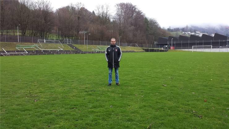 Adrian Augstburger, Präsident des FC Obersiggenthal: «Unser Fussballfeld ist so klein, dass wir hier künftig nicht einmal in der 5. Liga Spiele austragen dürfen.AZ-Archiv