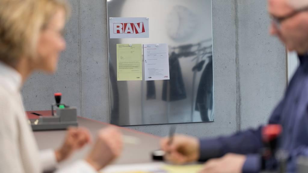 Ohne Zusatzfinanzierung droht der Arbeitslosenversicherung ein Milliardendefizit.