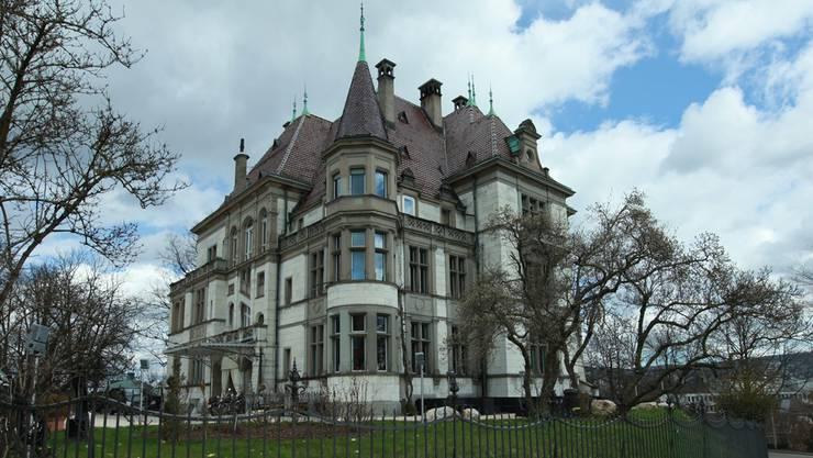 Schloss Sihlberg in Zürich Enge: Hier sollen Schweizer für Geschäfte mit Chinesen ausgebildet werden.