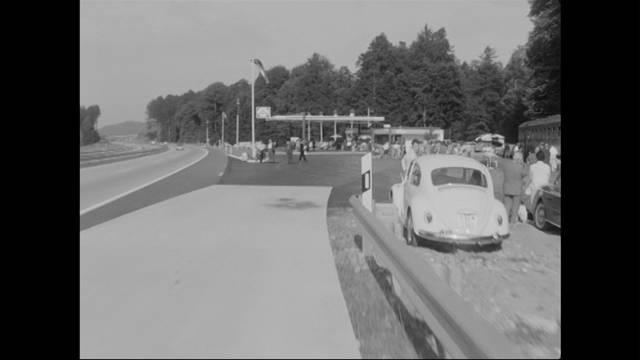 Erste Autobahnraststätte wird 50