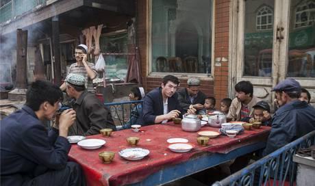 Demutigung Strafen Folter China Hat Die Heimat Der Uiguren In Ein Grosses Straflager Verwandelt Ausland Aargauer Zeitung
