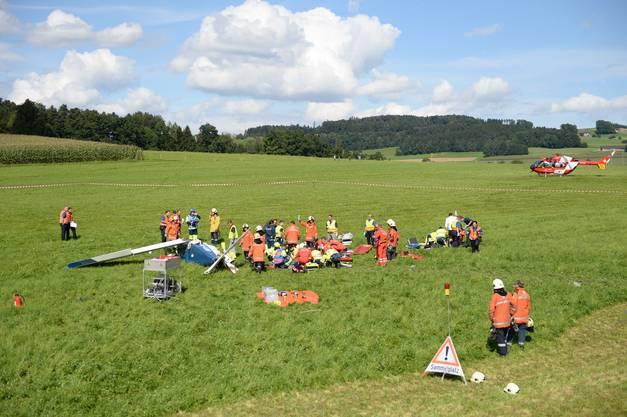 Eines stürzte ab, das andere konnte auf dem Flugplatz Sitterdorf notlanden.