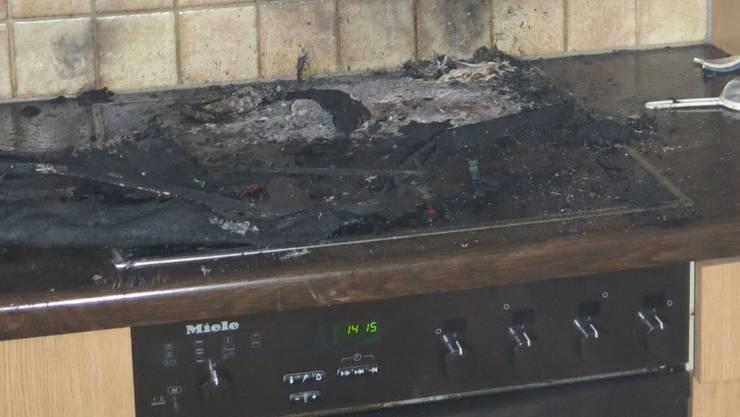 Plötzlich brannte in Sisseln eine Küche: Beim Erhitzen von Öl entstand ein Brand