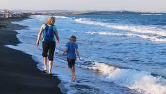 Eine Mutter will mehr Ferien mit ihrem Sohn verbringen – das Bundesgericht gibt ihr recht.