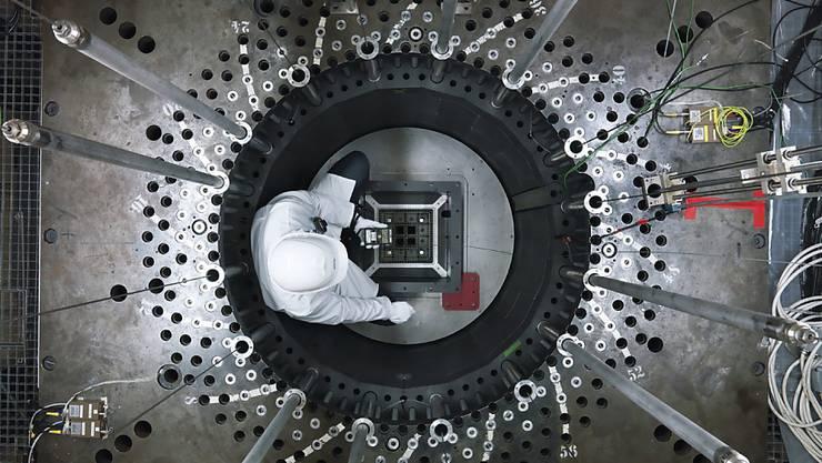 Am Forschungsreaktor Proteus untersuchten Forschende des PSI die reaktorphysikalischen Parameter von unterschiedlichen Kernbrennstoff-Füllungen.