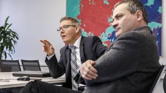 Regierungsrat Roland Fürst und Departementssekretär Bernardo Albisetti haben eine Lösung gefunden, dass Gemeinden, die Land zurückzonen müssen, nicht auch noch finanziell bluten. Es gibt einen kantonalen Fonds.