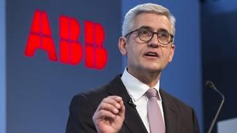 """""""Wir bringen mit unseren Produkten und Forschung Sauerstoff in das Geschäft von GE Industrial Solutions"""", sagt ABB-Chef Ulrich Spiesshofer. Er sieht bei dieser Übernahme grosses Wertsteigerungspotenzial. (Archiv)"""