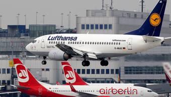 """Die Lufthansa übernimmt grosse Teile von Air Berlin. Konzernchef Carsten Spohr spricht von einem """"grossen Tag""""."""