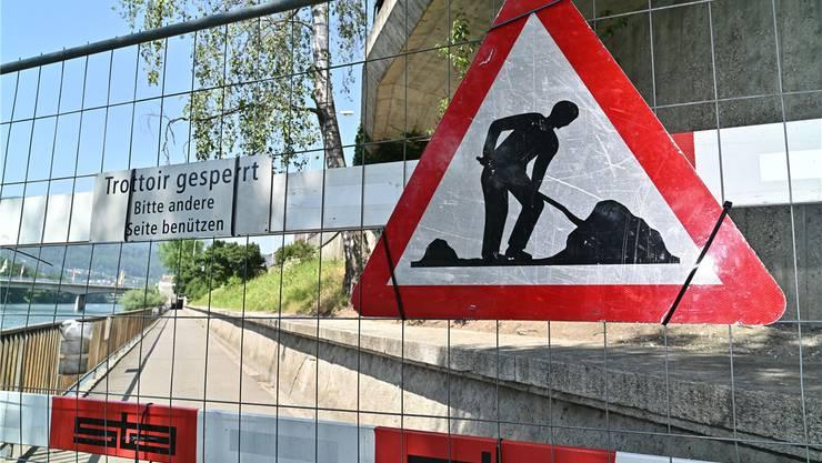 Der Ländiweg ist für mehrere Wochen nicht passierbar, weil die Bahnhofterrasse derzeit saniert wird.