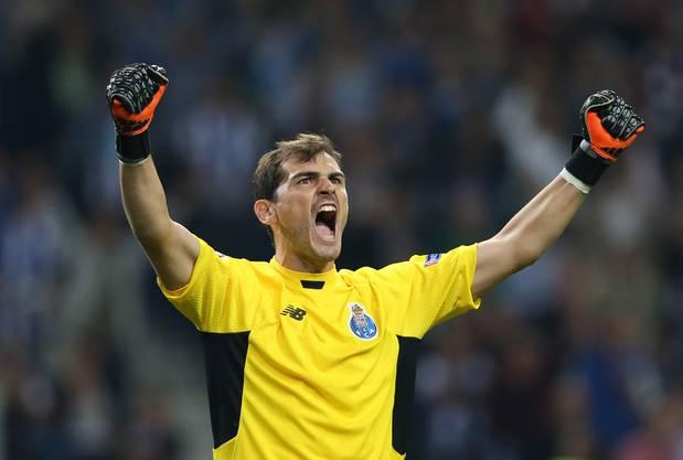 Der langjährige Real-Keeper Iker Casillas freut sich über den 2:1-Sieg seines neuen Clubs FC Porto gegen Chelsea.