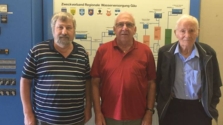 Von links: Die abtretenden Verantwortlichen Linus von Arx (Präsident Betriebskommission), Hans Ackermann (Präsident des Zweckverbands), Edwin Ruckstuhl (Leitender Anlagewart).