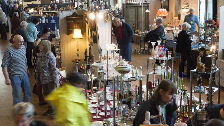 Zu viele Lampen dürfen nicht verkauft werden. Sonst ist es am Sonntag dunkel im Tägi.