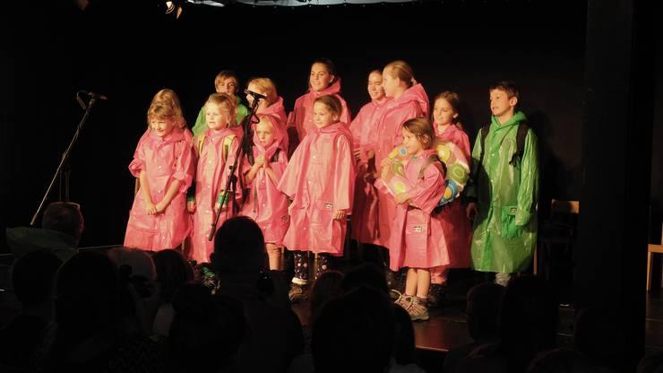 Der Auftritt der Theateria Dietikon am Theatertag 2019 mit 16 Kindern zwischen 5 und 13 Jahren.