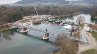 Inzwischen steht die provisorische Brücke für Spaziergänger und Velofahrer.
