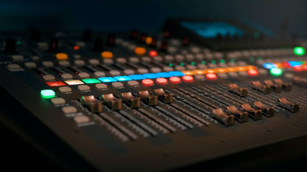 Als Firma oder Verein in einer Radiosendung