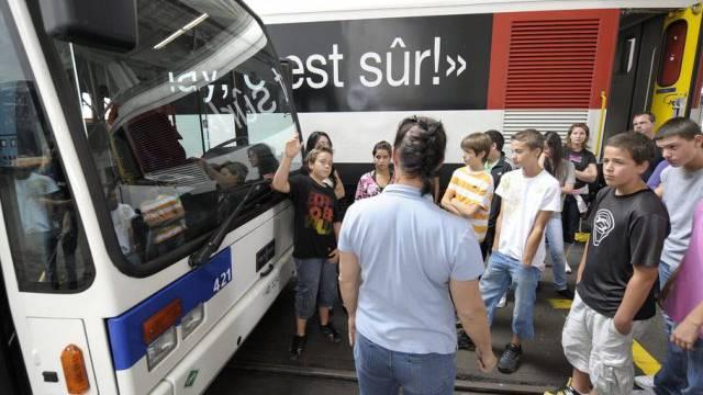 Bus statt Bahn: Verzögerung bei SBB-DB-Projekt (Symbolbild)