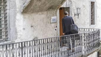 Der Staatsanwalt verlangt 15 Monate Gefängnis auf Bewährung für den Schweizer, der versucht haben soll, die Walliser Grossrats- und Staatsratswahlen im März 2017 zu manipulieren.