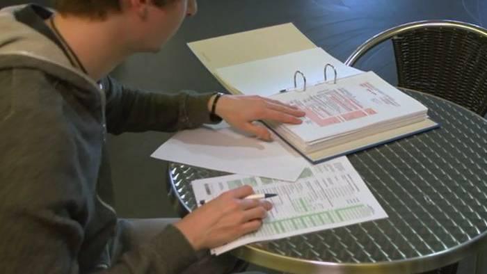 Die Finanzkommission befasste sich mit mehreren Anträgen zum Steuergesetz. (Symbolbild)