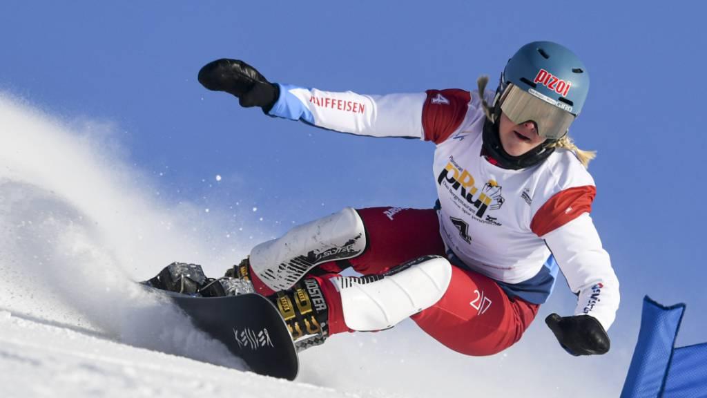 Julie Zogg fährt beim ersten Parllel-Slalom-Weltcup der Saison knapp am Podest vorbei