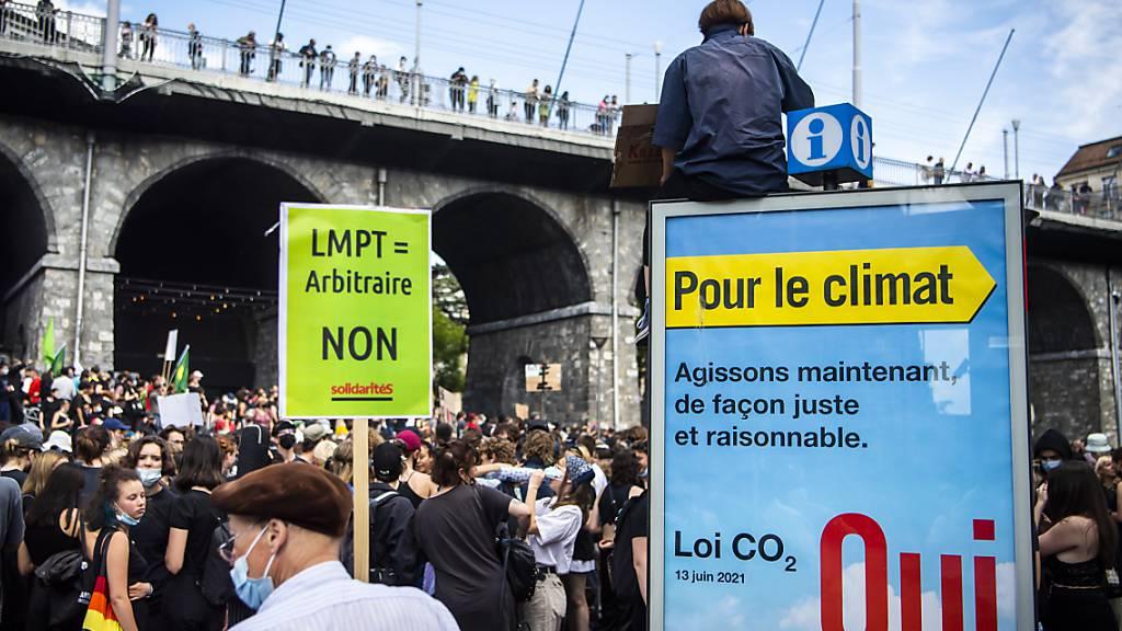 1000 bis 2000 demonstrieren in Lausanne gegen Anti-Terror-Gesetz