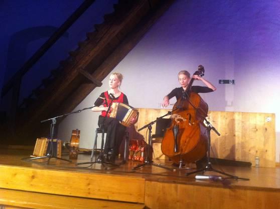 Musikalische Unterhaltung aus Thun: Das Duo Eveline und Christina Brunner.