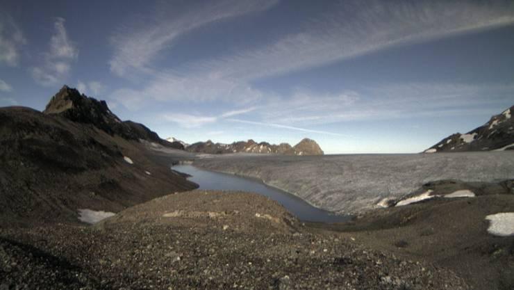 Langsam entleert er sich: Der Gletschersee auf der Plaine Morte am Samstag.