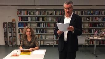 Michèle Minelli und Peter Höner spielen verschiedene Rollen.