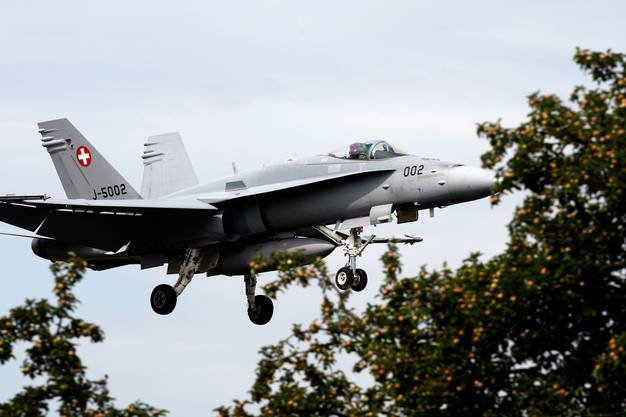 Am 27. September stimmen die Schweizerinnen und Schweizer über neue Kampfjets ab, die die heutigen F/A-18 ersetzen sollen.