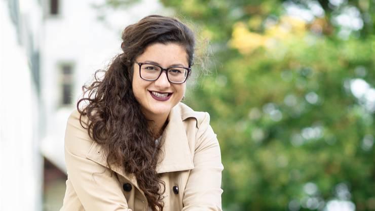 Musik und Sprache als Passion: Iris Karahusić im Park des Klosters Wettingen. Chris Iseli