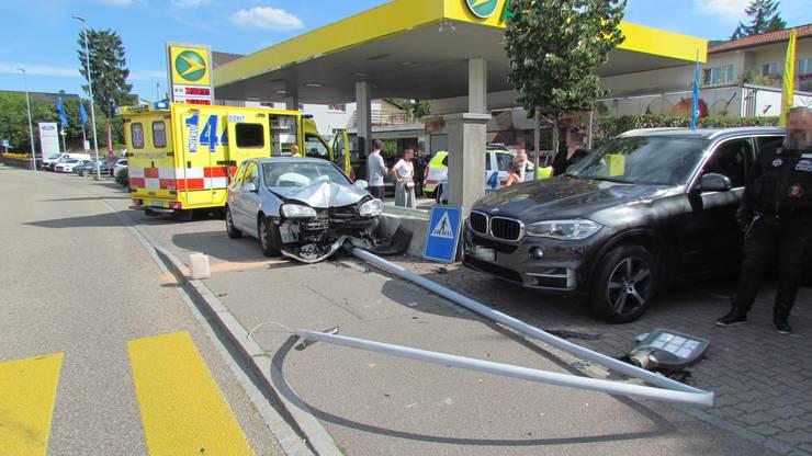 Auch der Krankenwagen war vor Ort. Verletzt wurde aber zum Glück niemand.