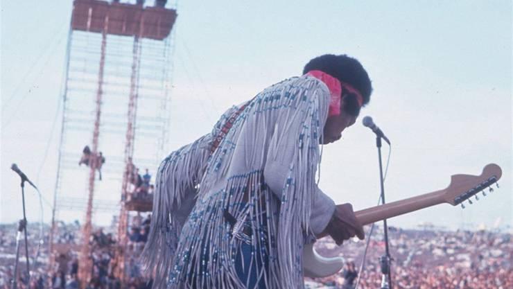 Historischer Moment: Jimi Hendrix verwandelt die amerikanische Landeshymne in eine Krachorgie und zeichnet damit das Bild einer zerrissenen Nation.