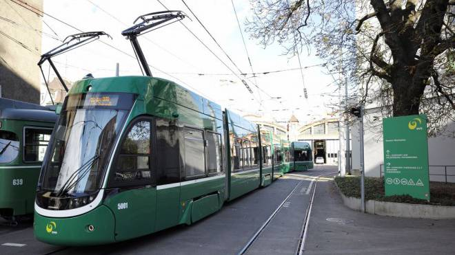 Die BVB-Fahrleitungen sind in schlechtem Zustand. Foto: Kenneth Nars