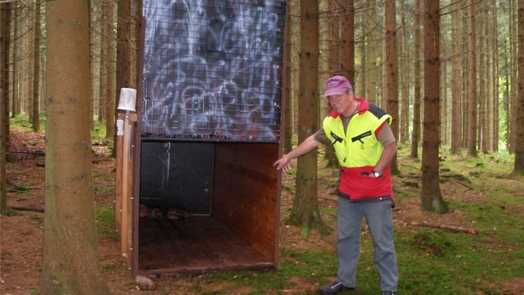 Er hat den Panther Anfang Mai während fünf Sekunden im Wald bei Kestenholz gesehen. Um das Tier zu fangen, wird im Wald eine Falle aufgestellt.