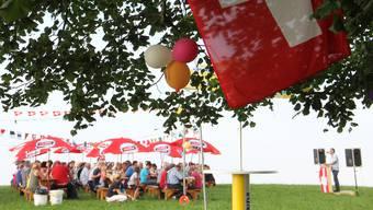 Die Fusionsgemeinde Bözberg feiert 2014 den 1. August zum ersten Mal bei der Linner Linde. Festredner war az-Sportredaktor Ruedi Kuhn.