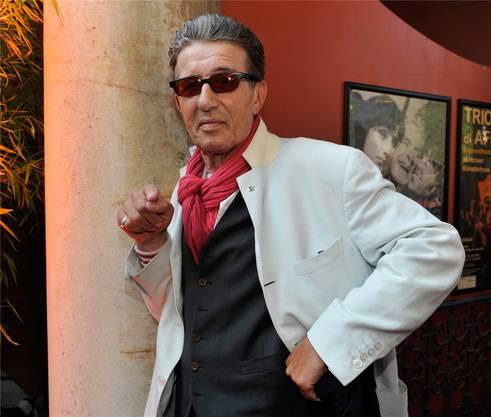 Der deutsche Schauspieler und Musiker, der auch einmal im Dschungelcamp dabei war, starb mit 76 Jahren.