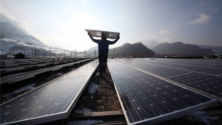 Die Energiestrategie 2050 setzt auf erneuerbare Energie – auch das Potenzial der Sonne soll besser ausgeschöpft werden.Symbolbild/Keystone