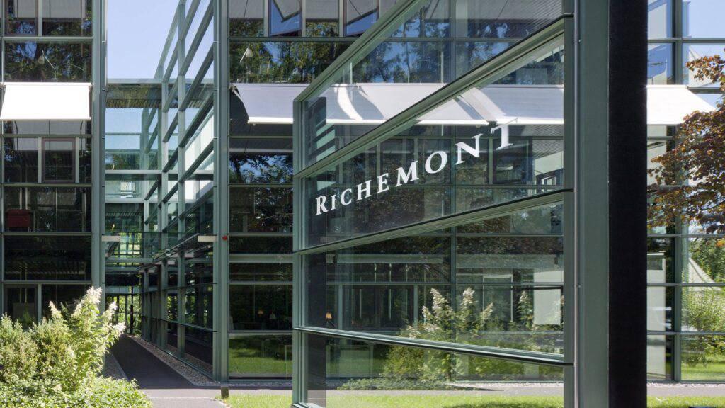 Die Luxusgütergruppe Richemont hatte im vergangenen Geschäftsjahr an der Coronakrise zu nagen. Auch wegen Ladenschliessungen haben sich die Uhren von Marken wie Cartier, Piaget oder IWC weniger gut verkauft. (Archivbild)
