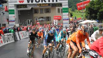 Etappenziel Gansingen feiert die Tour de Suisse