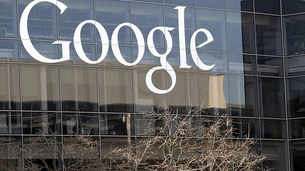 Der US-Konzern Google will bis zum 21. Dezember eine Stellungnahme zu den Vorwürfen der Marktbeherrschung abgeben. (Archivbild)
